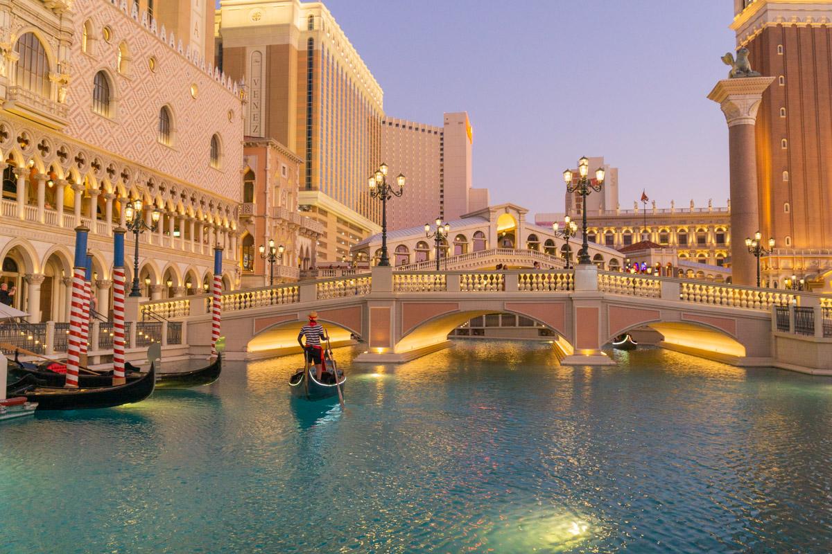 Las Vegas. Miasto grzechu. Hotel Venetian, gondole